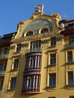 En av Prags många fina husfasader